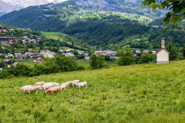 Il villaggio e le stazione