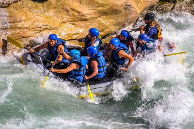 aquabond-rafting